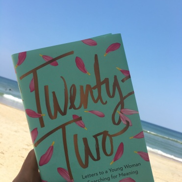 Twenty Two book-libro